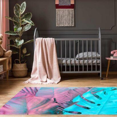 Alfombra-hojas-rosas-azules-alfombra