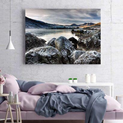 Cuadro Lago Rocas y Montañas