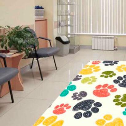 alfombra-pvc-veterinaria-huellas-colores