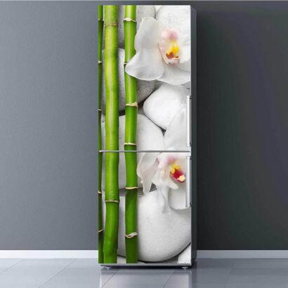 Vinilo Frigorífico Bambú, flores y piedras blancas
